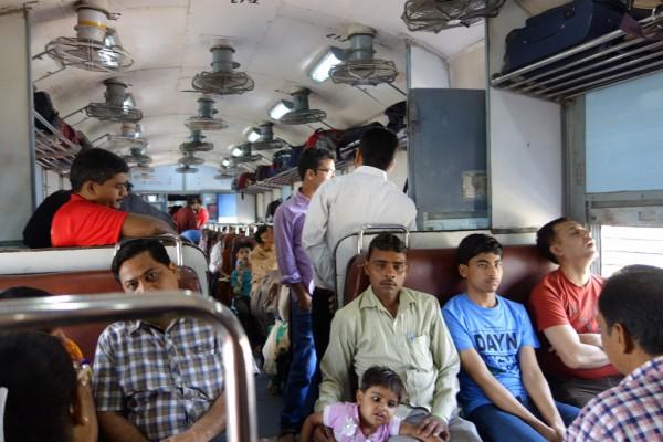 インド電車内