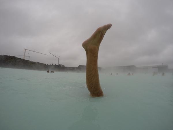 世界最大の露天風呂ブルーラグーンで事件発生?けーき氏の女子力上昇中。