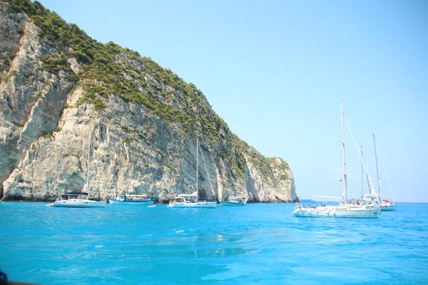うわ!新婚旅行みたい!!ギリシャ穴場の島をぐるーーっと一周!!
