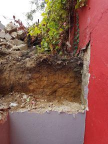 Abgetragene Mauer