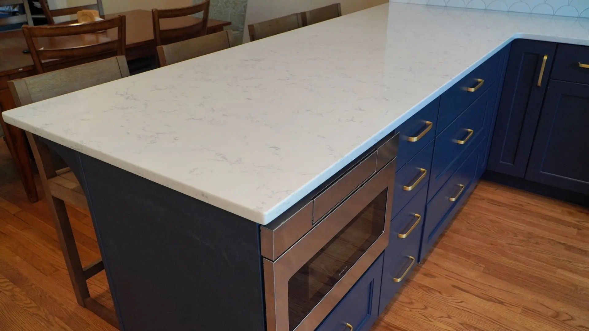 Keil-Kitchen-Fishscale-Blue-Cabinet-Detail1