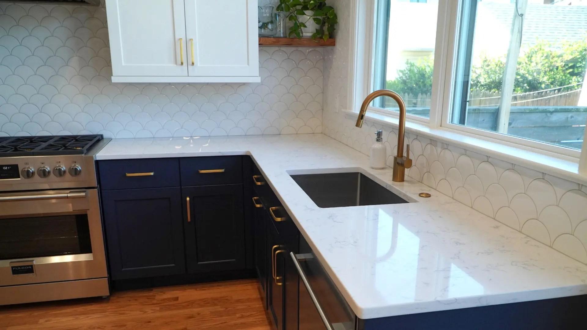 Keil-Kitchen-Fishscale-Blue-Sink