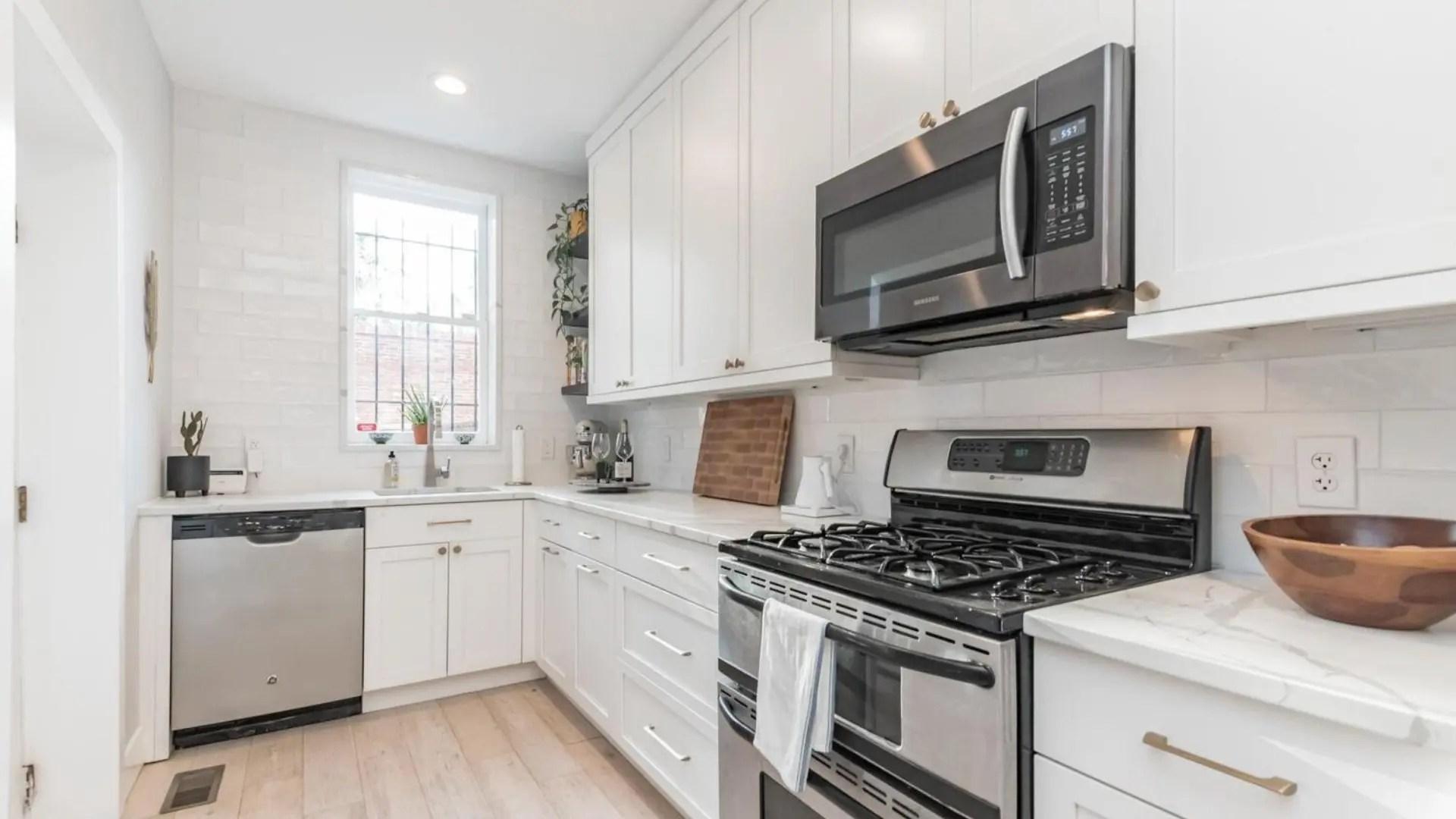 680-4th-kitchen