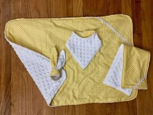 Reversible Blanket Sets