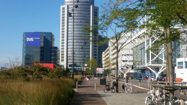Eingang des Bahnhofes Amsterdam-Sloterdijk