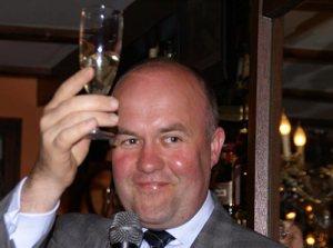 Bürgermeister Arno Brok hat was zu feiern.