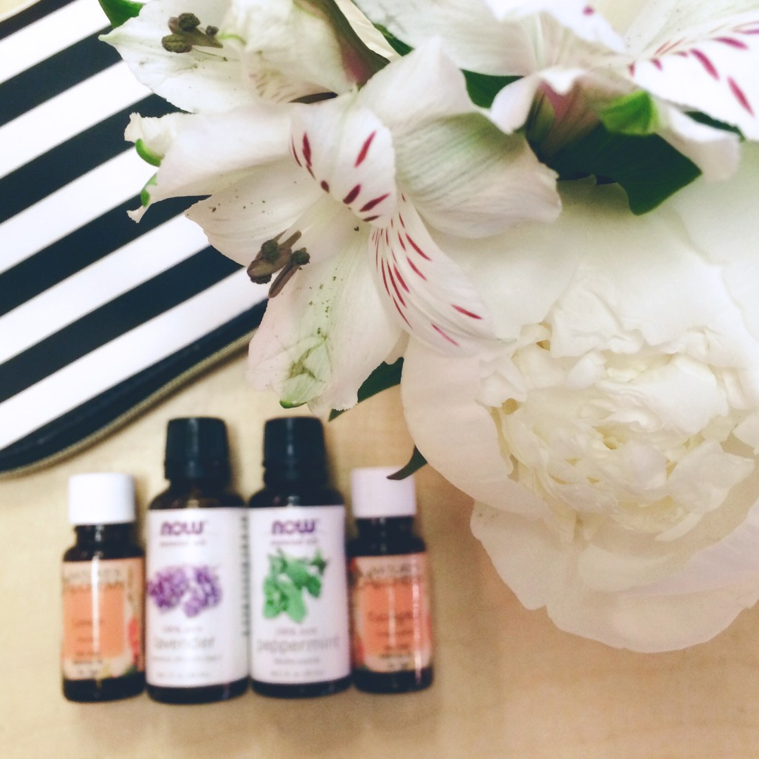 essential oils on the go, essential oil tool kit, lavender essential oil, peppermint essential oil, natural remedies, essential oil uses