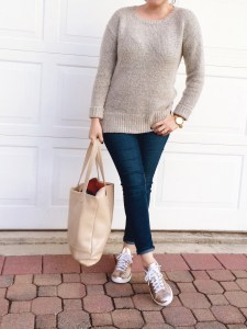 Casual OOTD with Sweater and Copper Stan Smith x Adidas, style blogger, every day outfit ideas,