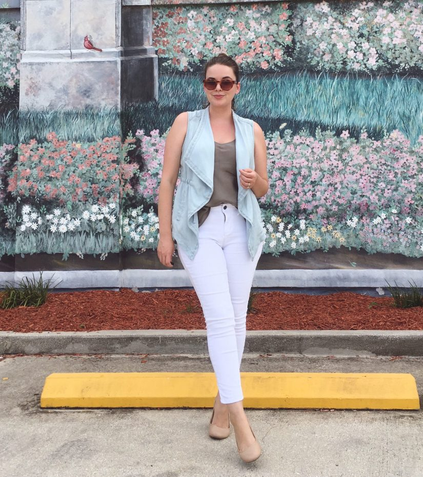Summer OOTD Chico's Draped Chambray Vest | keiralennox.com