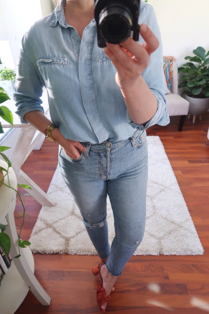 Style blogger wearing easy outfit combination outfit with double denim. Featuring Levi's high rise Wedgie skinny jeans and Loeffler Randall velvet mules