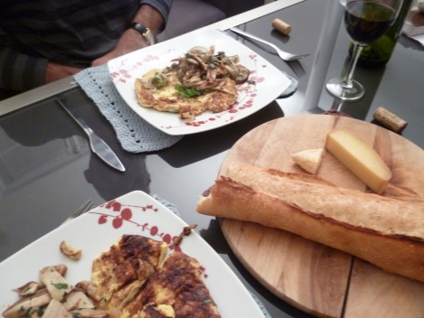 Omelette and cepes, bread wine and cheese. Not bad.