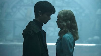 Asa Butterfield as Jake and Ella Purnell as Emma Bloom