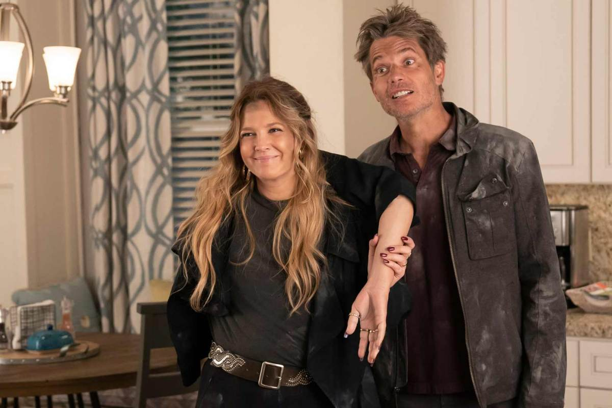 Netflix's Santa Clarita Diet Season Three Review