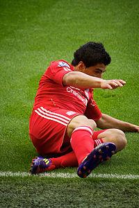 200px-Luis_Suarez_slide_Liverpool_vs_Bolton_2011