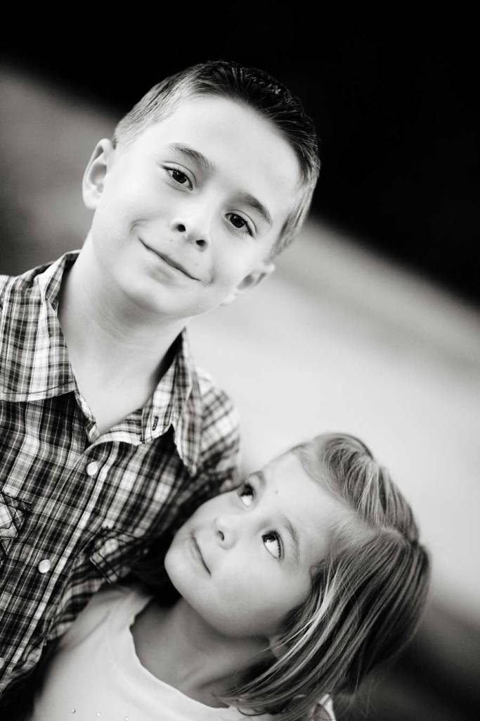 brother and sister | phoenix family photographer - Keith