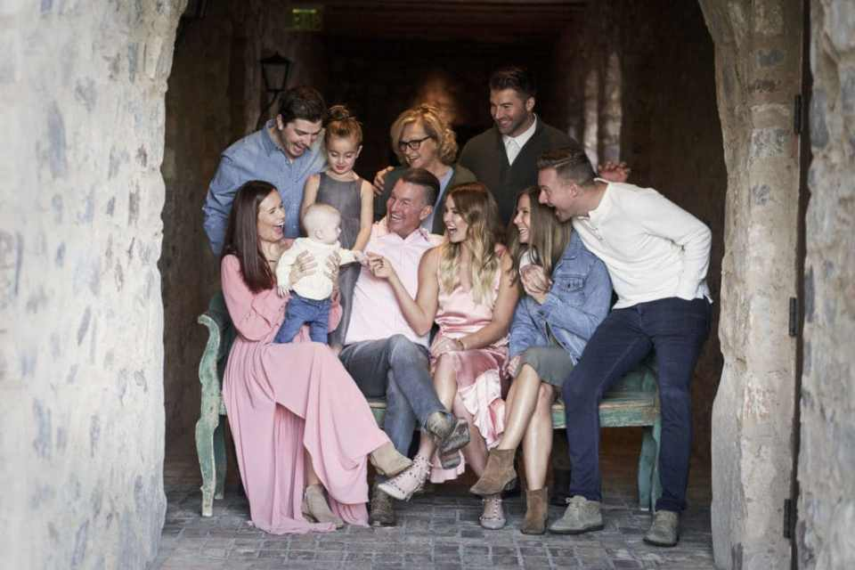 phoenix photographers melissa and keith family photos portraiture big family classic timeless