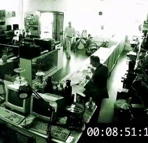 13 HJ Pawn Shop 634x481