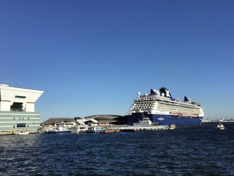 横浜大桟橋のセレブリティミレニアム