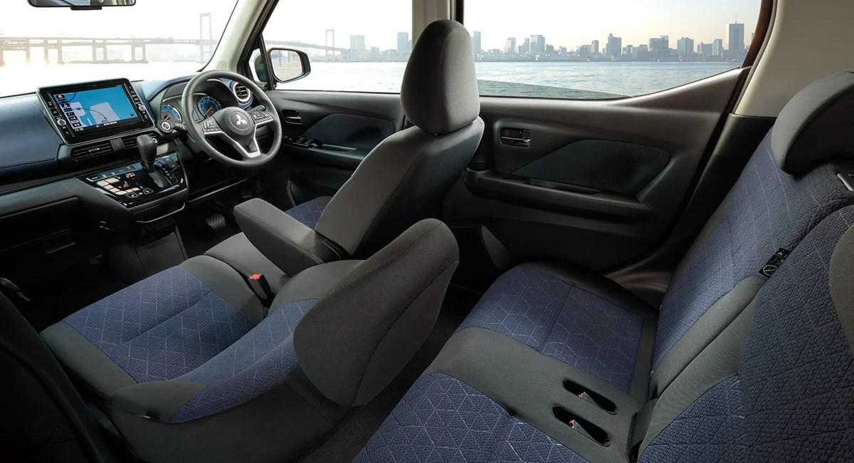 新型ek-クロス内装色シートカラー