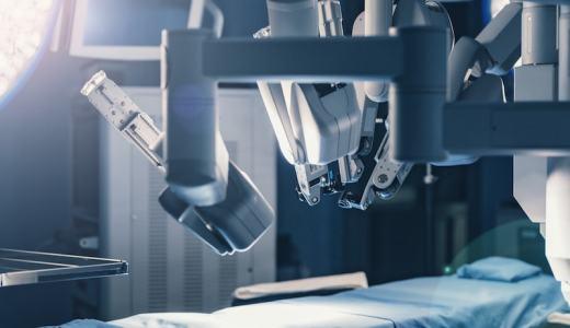 ロボット手術と内視鏡手術(腹腔鏡・胸腔鏡手術)の違いと利点・欠点