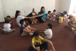 Yoga anak-anak sangat menyenangkan dan bermanfaat!