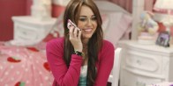 miley-cyrus-talking-on-the-phone