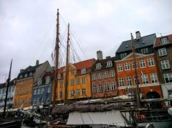 Senasis Kopenhagos uostas. Dabar senovinių laivų ir prabangių kavinių vieta