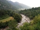 Upė kempingo papėdėje