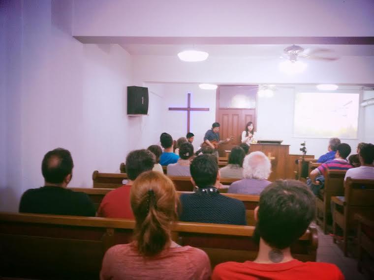جلسه رسمی پرستش روز یکشنبه