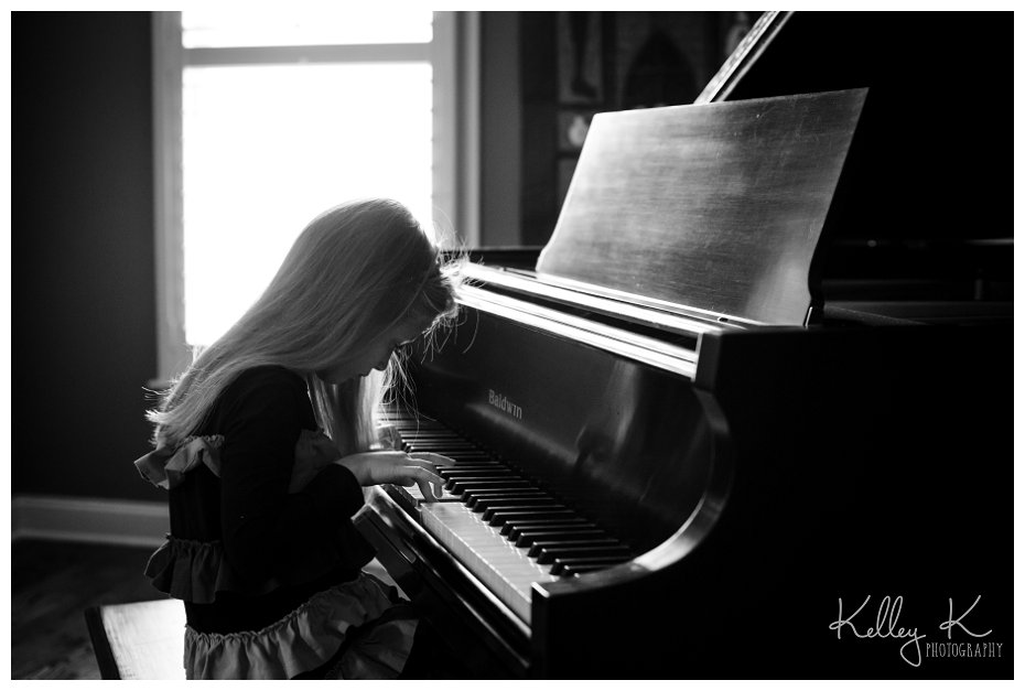 Child playing piano | Kelley K Photography - Smyrna