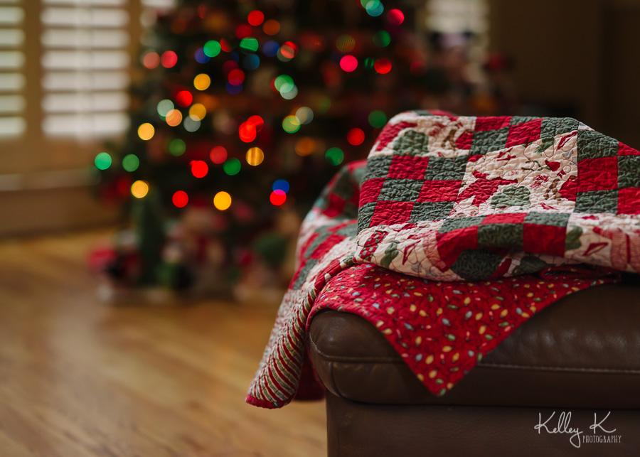 Christmas-quilt-tree-bokeh-KelleyKPhotography-SmyrnaGA