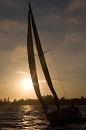 Sailing+Silhouette-966285882-O
