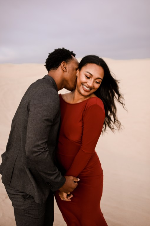 Sand-dune-engagement-kelliannephoto