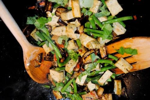 tofu stir fry in wok