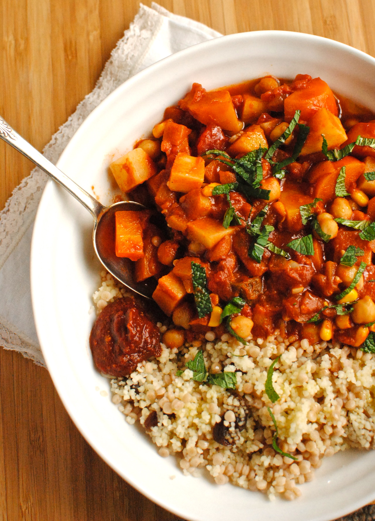 Tunisian chickpea and vegetable tagine food to glow this is an easy warming vegan stew that is easy to double or halve forumfinder Choice Image