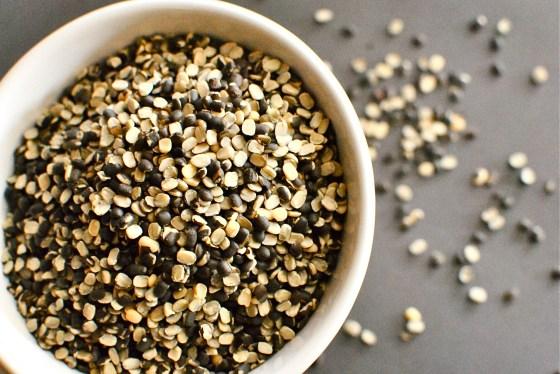 split black lentils (urad dal)
