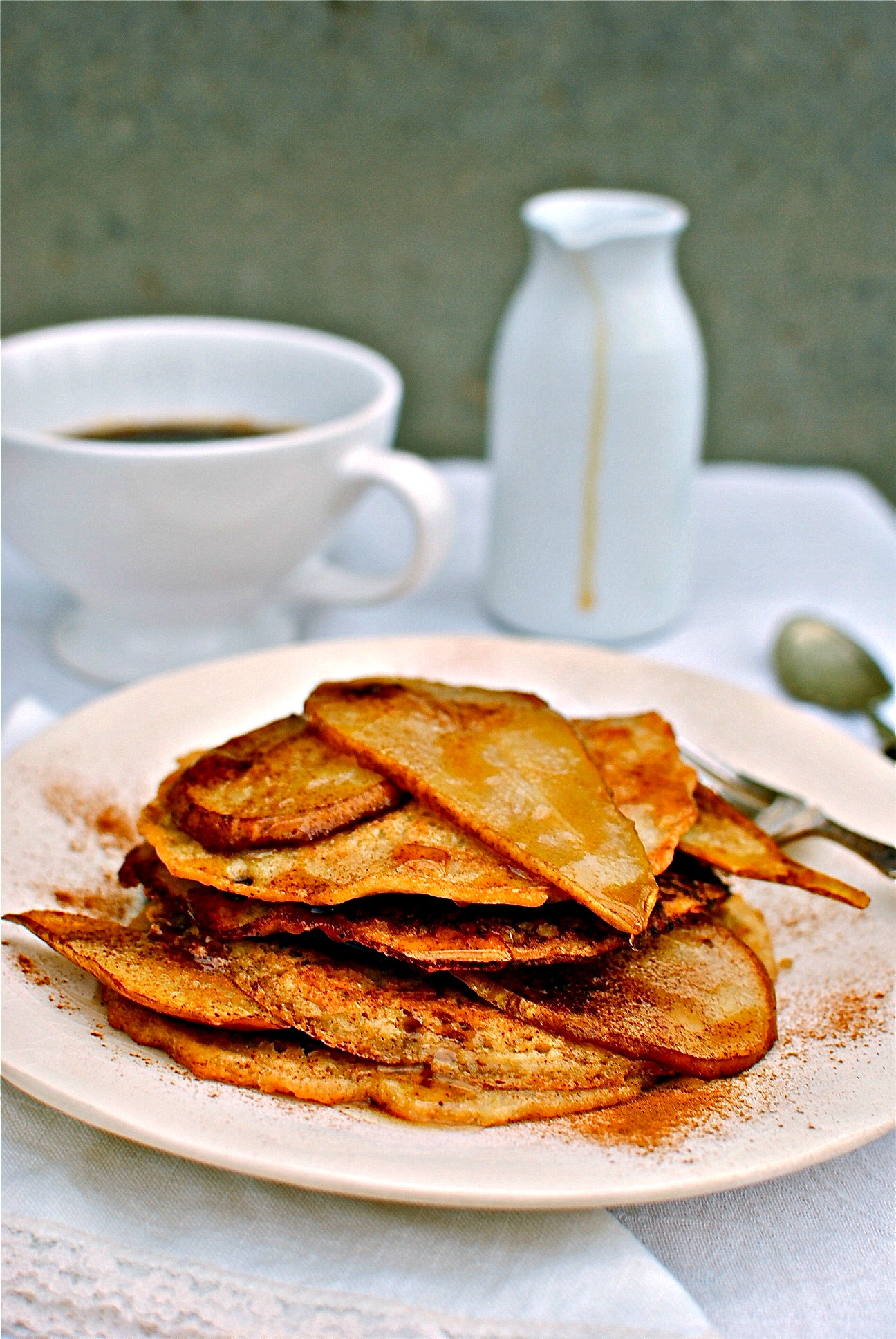 quinoa peanut butter pancakes with cinnamon and pear. Black Bedroom Furniture Sets. Home Design Ideas