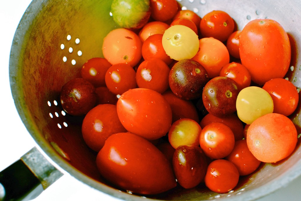 heritage tomatoes by food to glow