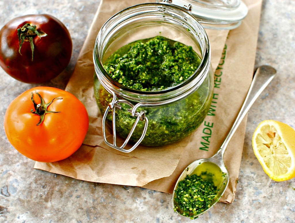 kale and pistachio pesto by food to glow