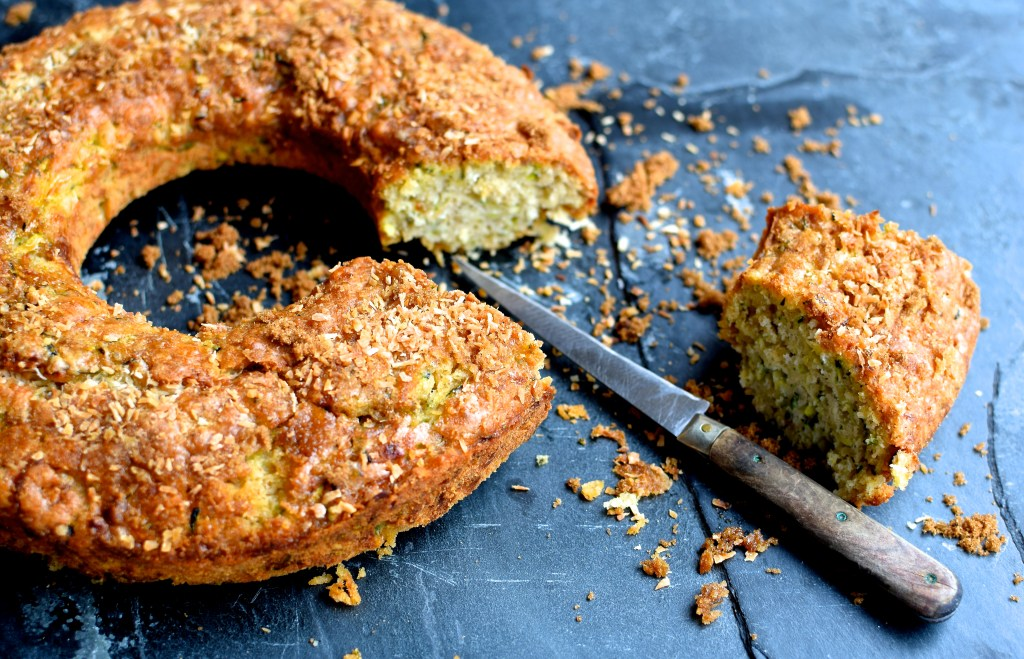 courgette, coconut and lime leaf coffee cake // food to glow #baking #cakes #zucchini