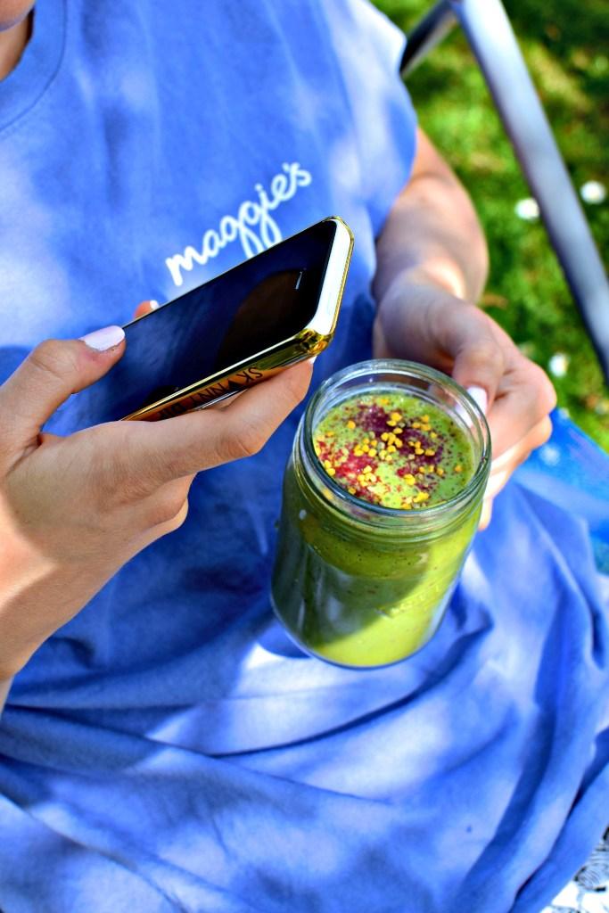 peachy-green smoothie // food to glow #kale #greentea #matcha #greensmoothie