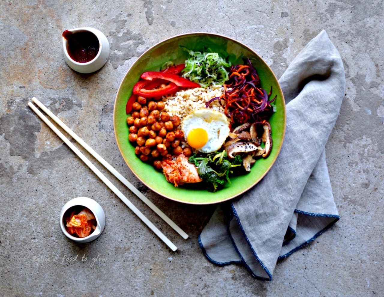 Korean rice bowl with gochujang chickpeas recipe bibimbap food veggie korean bibimbap gochujang chickpeas forumfinder Gallery