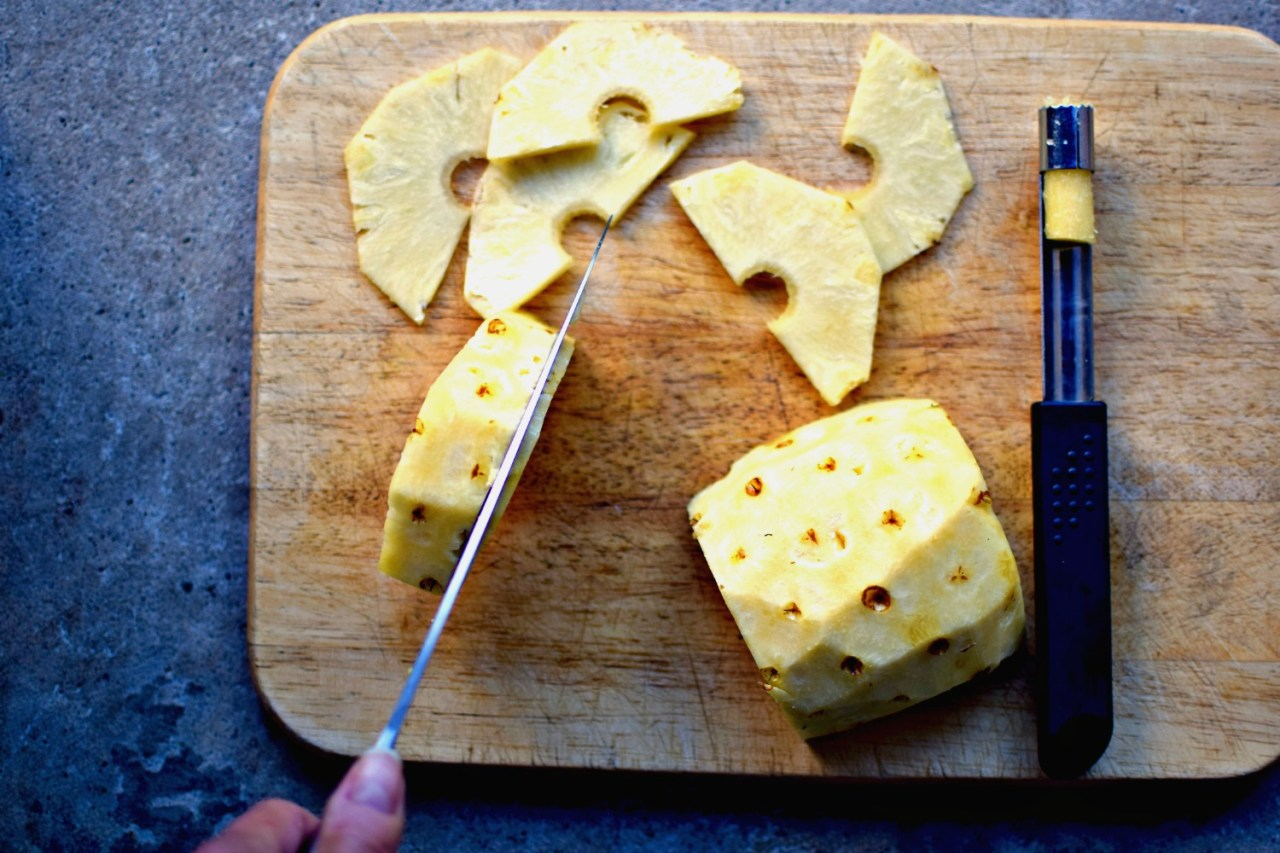 making pineapple carpaccio