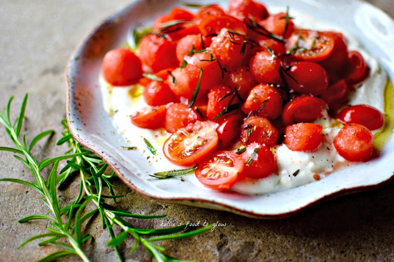 While watermelon and feta is perfectly fine, do yourself a favour and opt for cool, creamy yogurt next time. And while you are at it, why not add some tomatoes and fry some rosemary leaves too. Breakfast heaven, or sexy-as-hell - and ridiculously easy -  buffet salad. Your call.