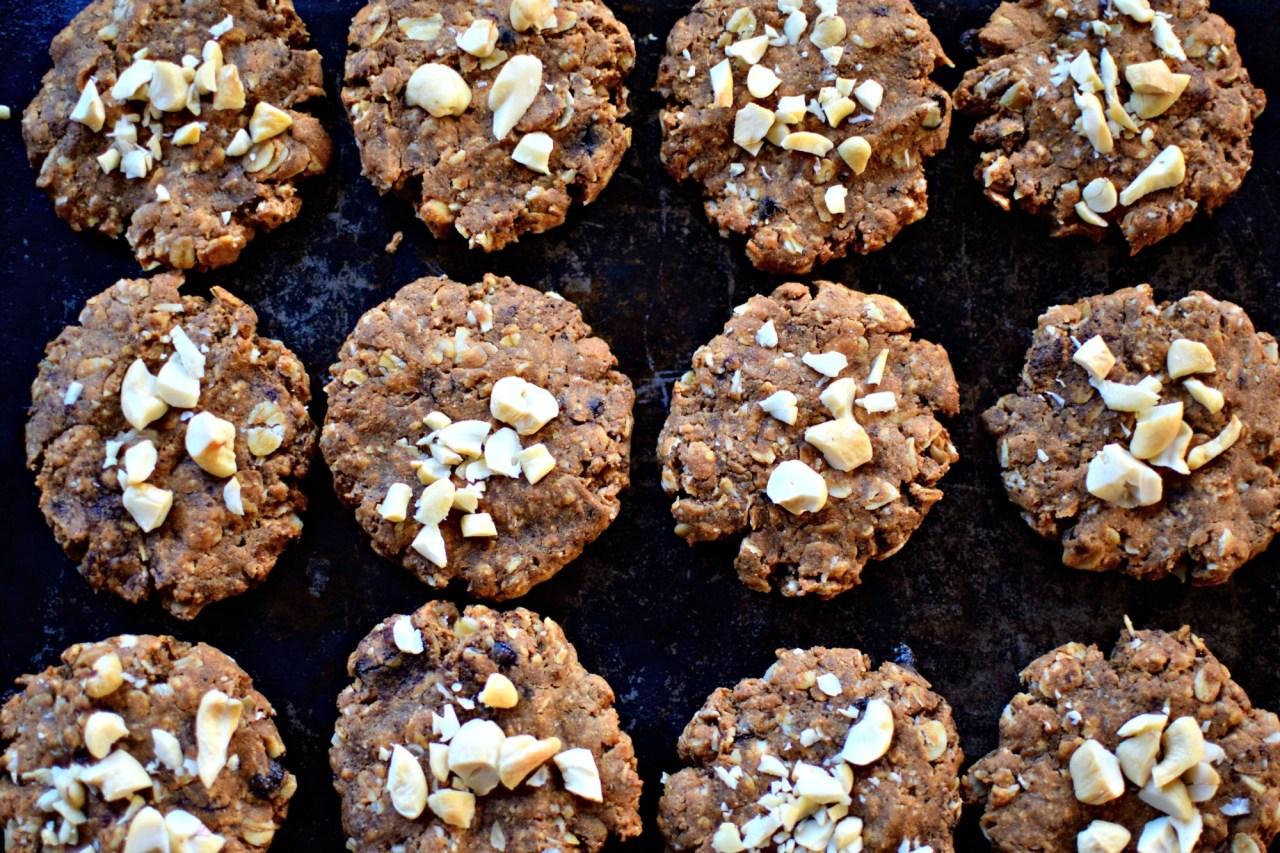 Espresso Nut Butter Oat Cookies by kelliesfoodtoglow.com