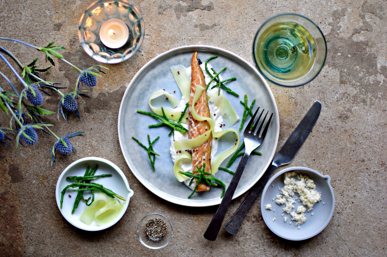 An easy starter for Easter, or a simple lunch with crispbreads, this Scandinavian-style recipe of smoked fish, horseradish yogurt cream and quick pickled samphire and cucumber ribbons is an easy way to impress.