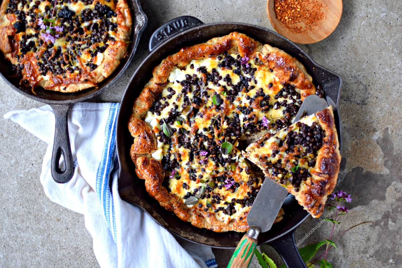 Make pizza in a cast iron skillet for a quick and healthy midweek meal that the whole family will love. Use my easy wholewheat dough - or a pre-made - and top with smoked mozzarella and cooked lentils for a delicious, vegetarian deep-dish dinner, or hearty snack. Vegan adaptations are given.