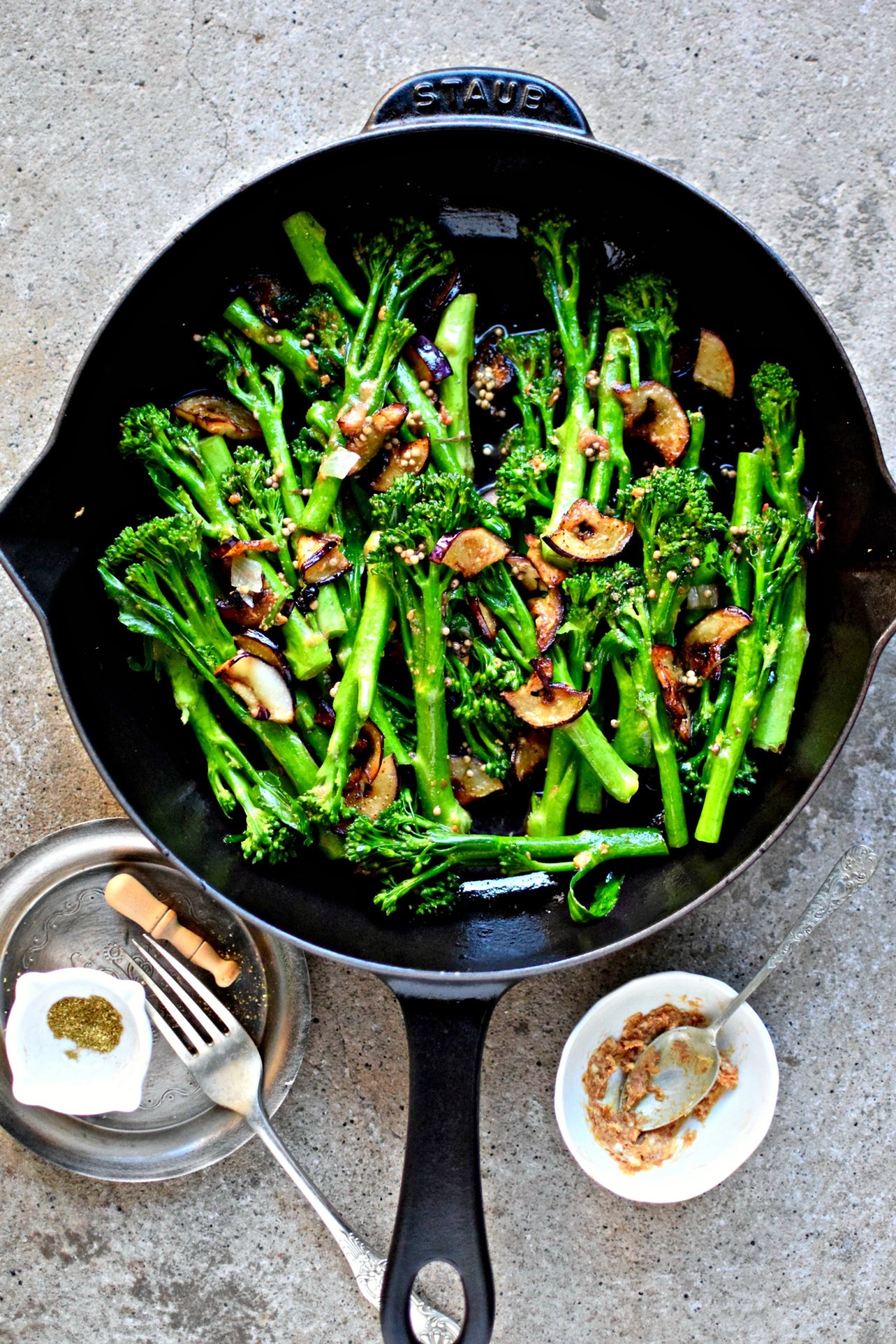 A simple but spectacular side dish featuring Tenderstem®, pan-fried eggplant and a Japanese spiced miso-butter. A quick and easy vegetable recipe to go with fish, tofu and any east Asian meal. kelliesfoodtoglow.com
