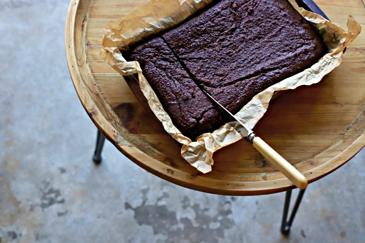 Naturally #glutenfree, these irresistible Decadent #Chocolate #Quinoa #Brownies are made with cooked quinoa, cocoa, nut butter and chocolate. Gooey, soft and very more-ish. A lovely #snack, or even #dessert with ice cream. #baking