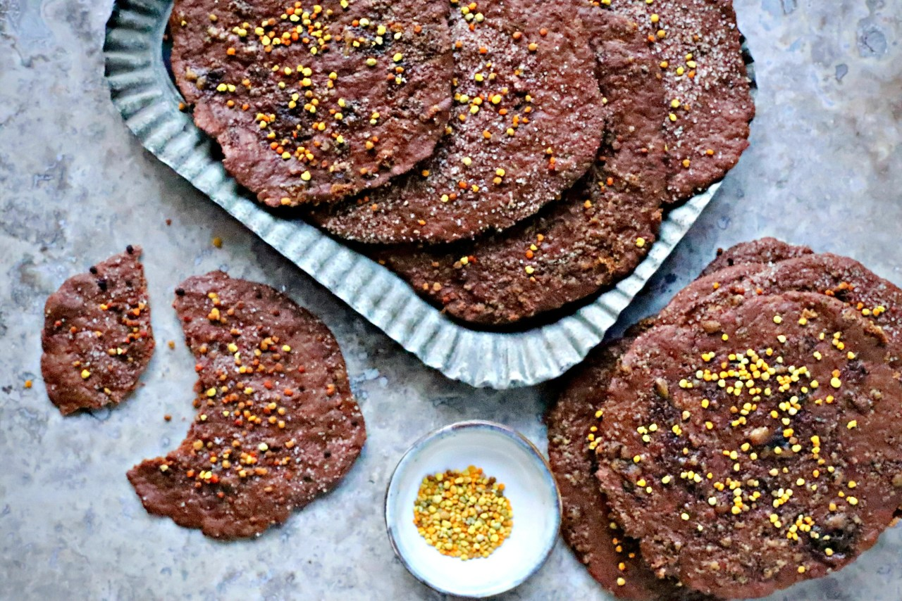 Cacao and Olive Oil Flatbread Pastries are delicate, melt-in-your-mouth treats influenced by the famous Spanish sweet crackers, tortas de aceite. These crispy disks are one bowl and easily vegan and gluten-free. #baking #pastries #chocolate #healthyrecipe